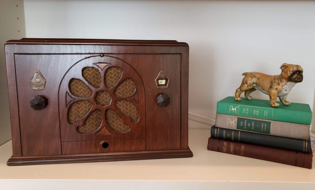 Shelf with hidden Google Home speaker