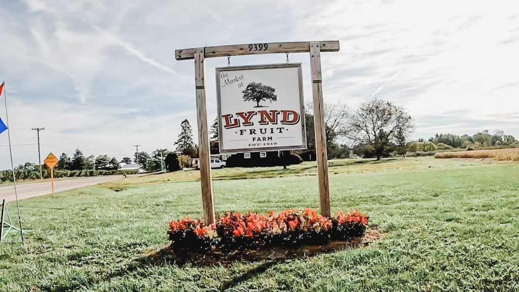 The sign at the Lynd Fruit Farm market